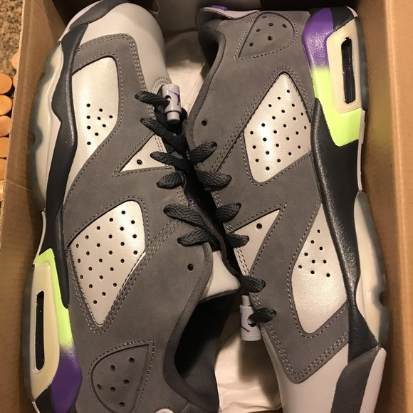 pretty nice 8ef4a 1989a Womens Air Jordan 6 Retro Ultraviolet